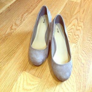 Beige suede wedge heels!  👠